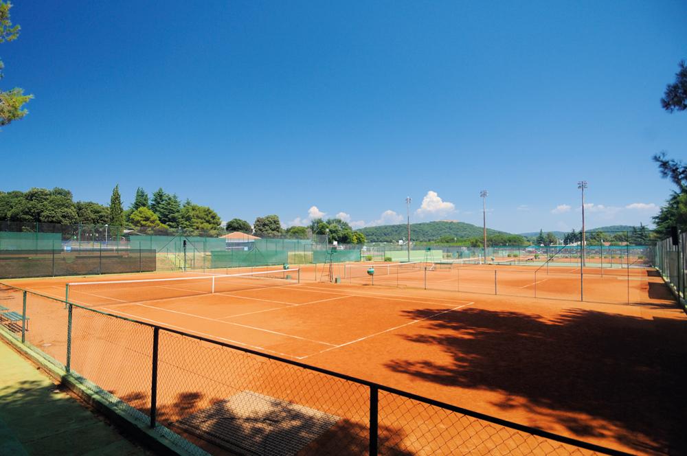 Zischka Sportreisen MEER Tennis Camp Kroatien Istrien Training Vrsar