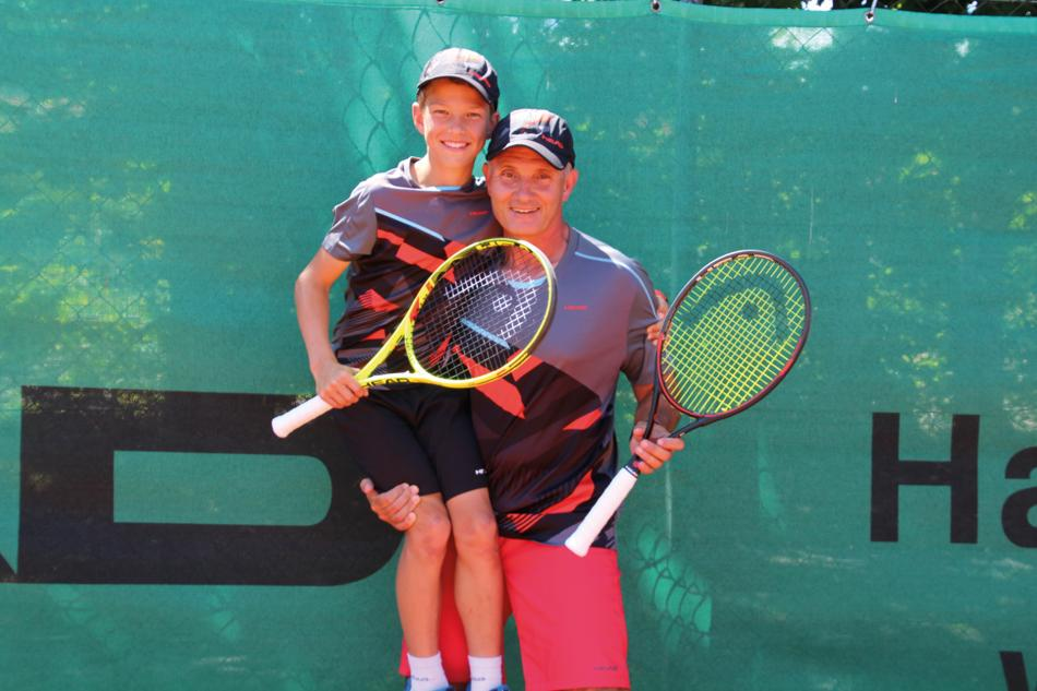 MEER Tennis Zischka Istrien Kinder Training Kids Welcome Urlaub